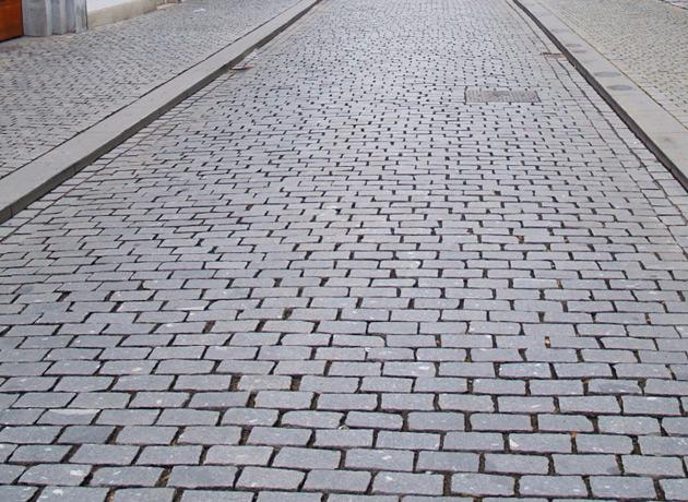 Ogromnie Parkingi, drogi i chodniki z kostki brukowej ST67